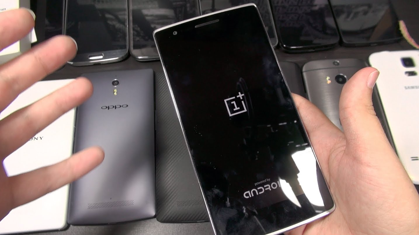 Unboxing OnePlus One: Size Comparisons!