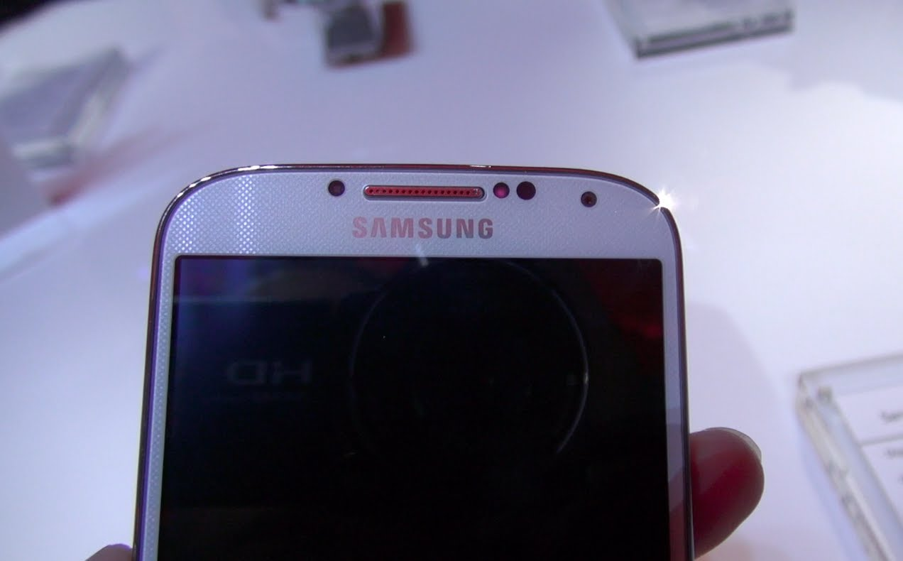 Galaxy S4 In-Depth First Impressions *Samsung Unpacked 2013*